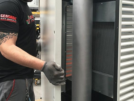 Easy access to silencer and radiator for cleaning and maintenance